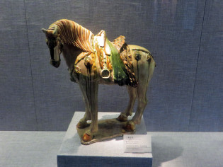 Tri-colored glazed pottery of the Tang Dynasty - Luoyang