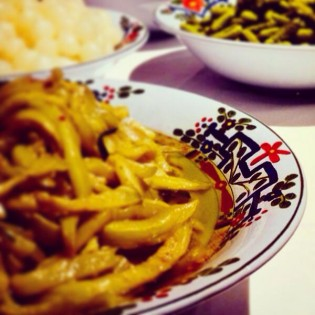 Servizio in ceramica di Faenza per buffet