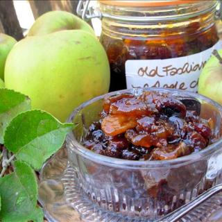 Old Fashioned Apple Chutney