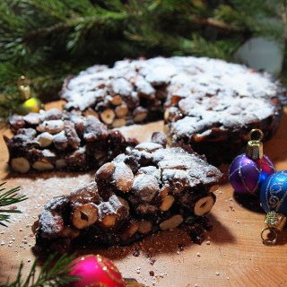 I'm dreaming of an Italian Christmas, Day Nineteen on the Advent Calendar and Panforte
