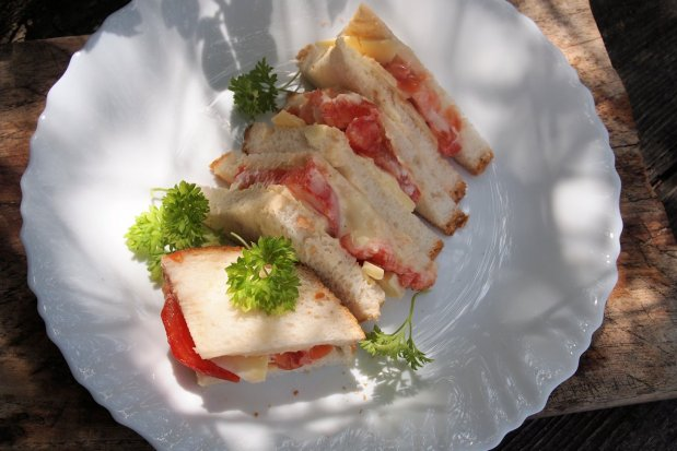 Cheese and Tomato with Salad Cream