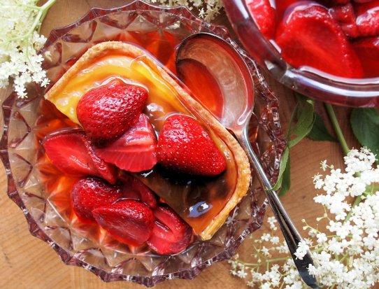 Strawberry & Elderflower Cake and Tart Topping