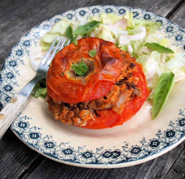 Stuffed Tomatoes with Herbs & Oats