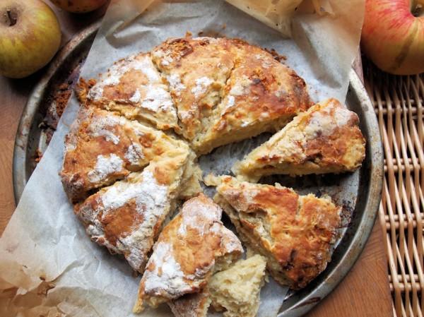 Apple & Dorset Blue Vinny Scone Bread Recipe