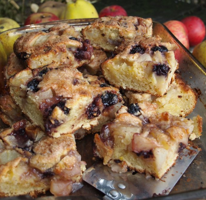 Apple, Bramble & Pear Tray Bake
