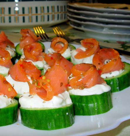 Little Smoked Salmon Cucumber Cups With Peppered Crème Fraiche
