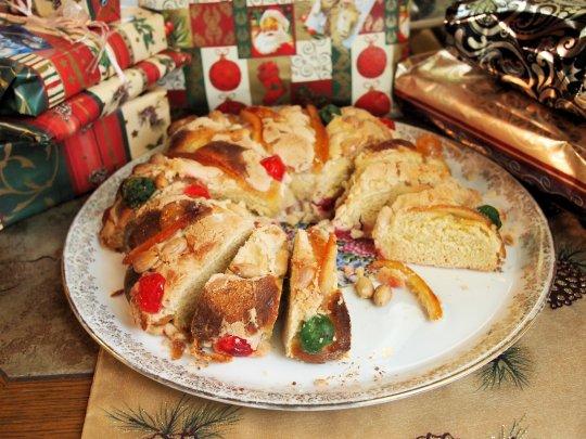 Twelfth Night, Epiphany and Delicious Bread! King Cake: Rosca de Reyes (Recipe)