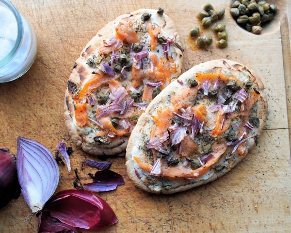 Luxury Low-Calorie Recipe for Fish on Friday: Smoked Salmon Pitta Pizza for 5:2 Diet Fast Day for 5:2 Diet Fast Day