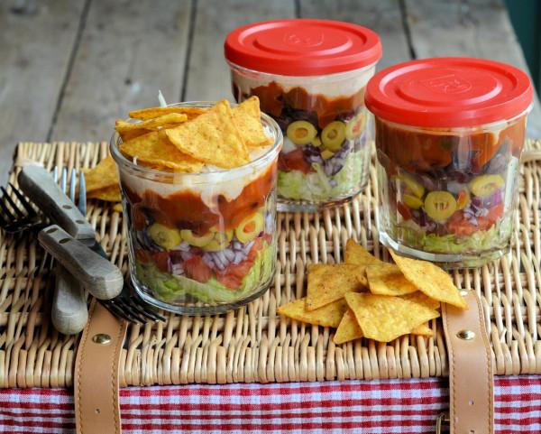 Picnics, Lunch Box and Barbecue Salad Idea: Layered Picnic Salads in a Jar (Recipe)