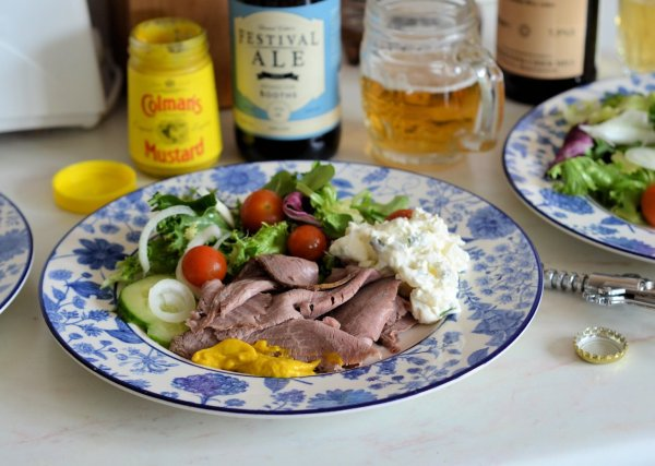 Cold Roast Beef Salad with Bread and Bagels: Plus New Kitchen Knives!