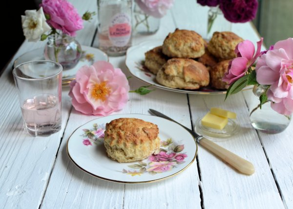 Floral Sunday Baking: Old-Fashioned Rose Lemonade Scones Recipe
