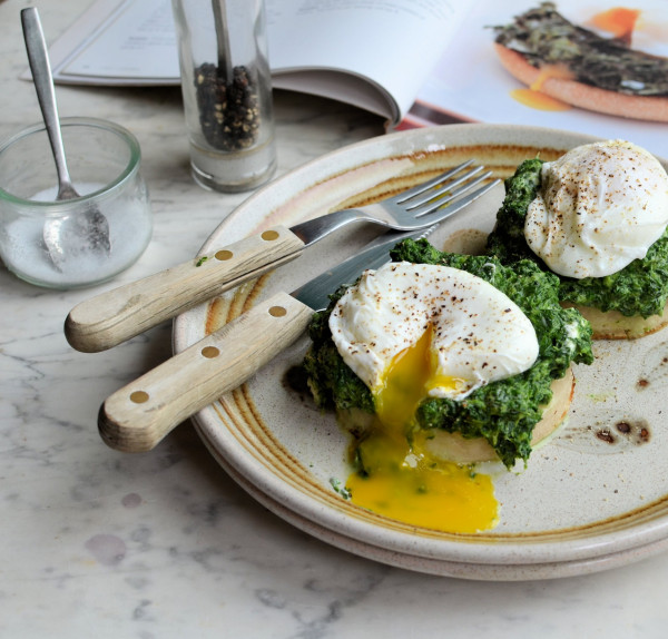 5:2 Diet & Weight Watchers Breakfast, Brunch or Lunch: Spinach and Poached Egg Muffins Recipe
