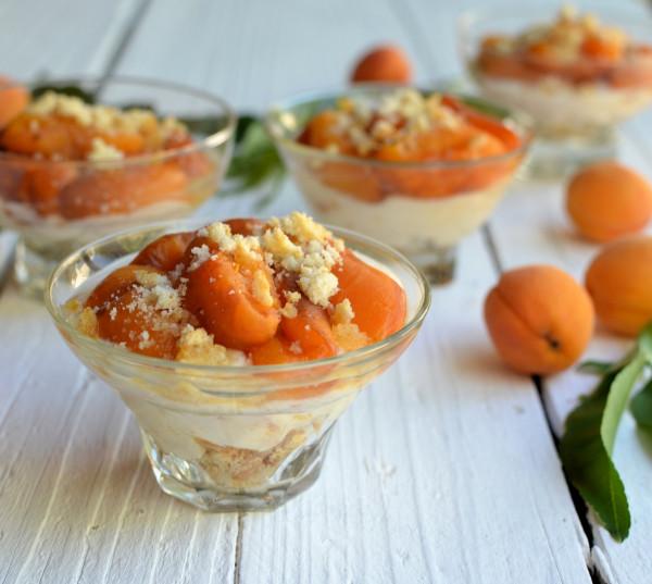 Amaretti and Apricot Layered Fool