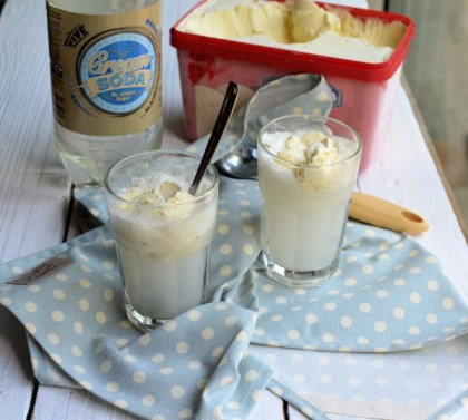 Vintage Ice Cream Parlours, Ice Cream Vans and Shatin Heights Hotel Ice Cream Soda! (5:2 Recipe)