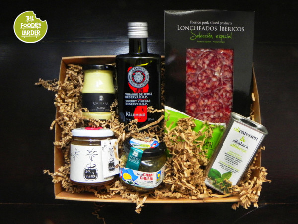 Giveaway: Win a Spanish Artisan Hamper of Amazing Food (RRP:£30)