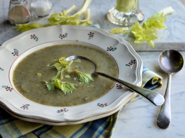 Winter Soup Day and Monday Meal Planner: 5:2 Diet Celery and Leek Soup (80 calories)