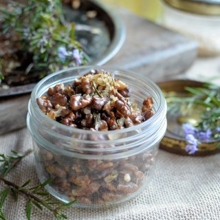 The Secret Recipe Club, Snacks & California! Rosemary & Smoked Sea Salt Roasted Walnuts