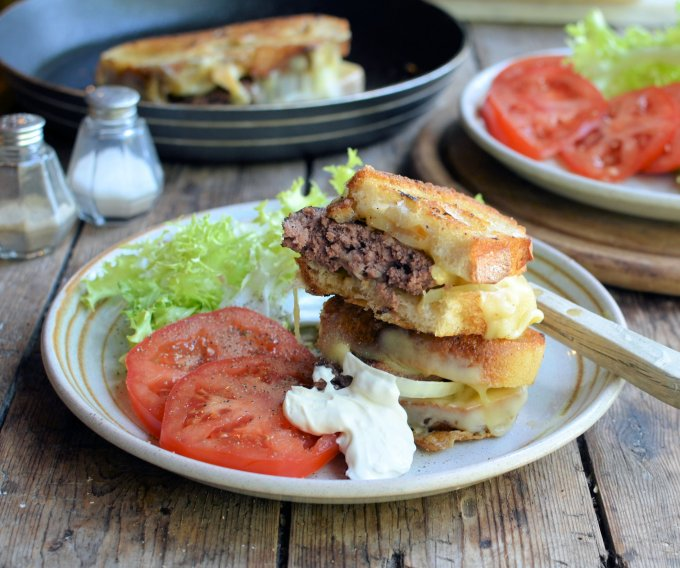 The Secret Recipe Club: Award Winning Logan County Hamburgers