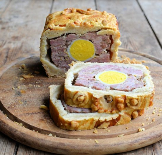 Gala Gammon and Egg Raised Pie