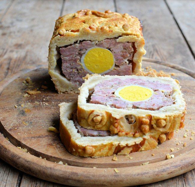 Gala Gammon and Egg Raised Pie