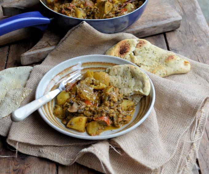 Spinach, Lentil & Sweet Potato Curry  (244 Calories)