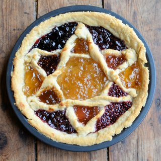 Dorothy Hartley, Cattern Cakes & Lace and a Victorian Epiphany Tart Recipe