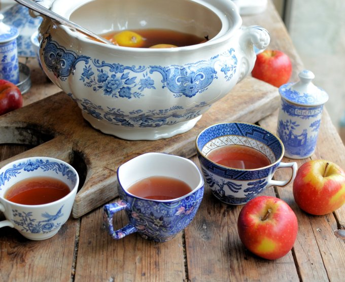 Twelfth Night, Mulling and Wassail: A Traditional English Wassail Recipe