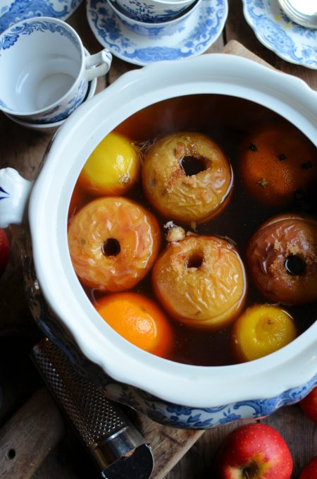 Traditional English Wassail – Mulled Cider
