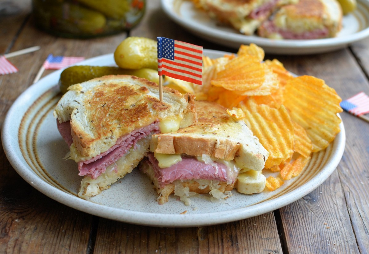 Great Sandwiches Of The World The Reuben Sandwich