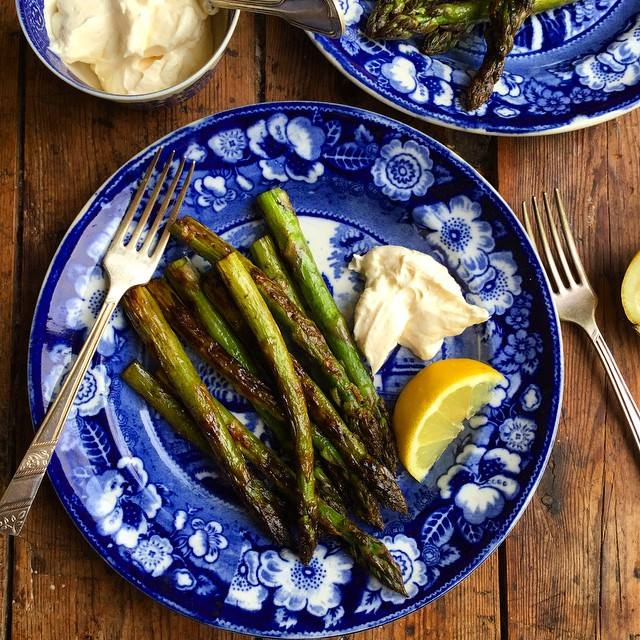 Griddled Asparagus with Butter and Lemon Aioli