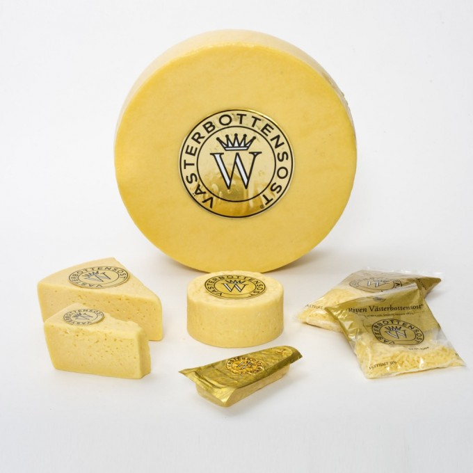 At first the cheese was considered a failure, but when it was tried, the unique taste was discovered. The validity of that story aside, it was skilled dairy maid Ulrika Eleonora who took advantage of this new knowledge and handed it down to posterity with her famous and well-preserved recipe