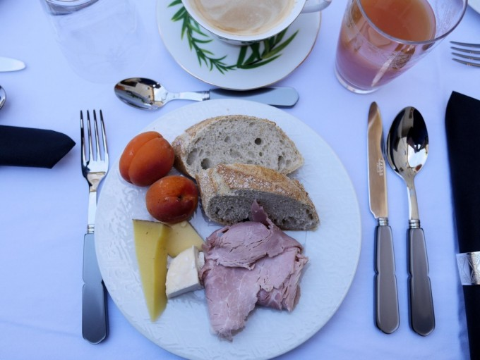 Breakfast at Hotel de la Villeon