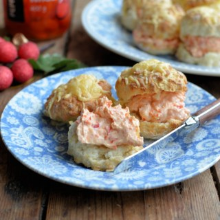 Cheese Scones with Peppadew Spread