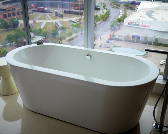 Delta Toronto Hotel in an upgraded room which had a bath with a view