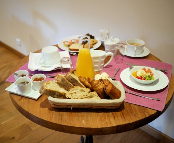 Breakfast at L'Imaginaire restaurant at Terrasson