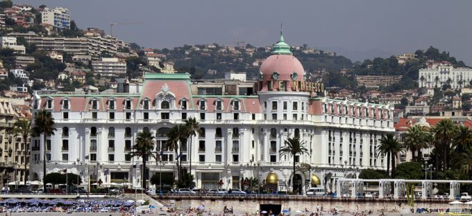 Le Negresco, sur la promenade des Anglais, à Nice. REUTERS/Eric Gaillard
