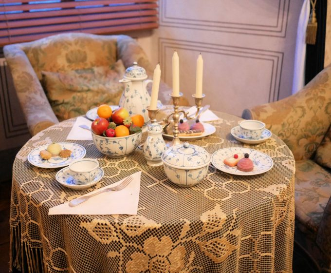 A set table on display in Český Krumlov castle
