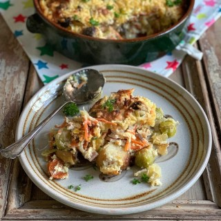 Cheesy Bubble and Squeak Gratin with Bacon.A FABULOUS way to use your Christmas Day leftove veggies, a cheesy gratin with sprouts, potatoes, carrots & bacon