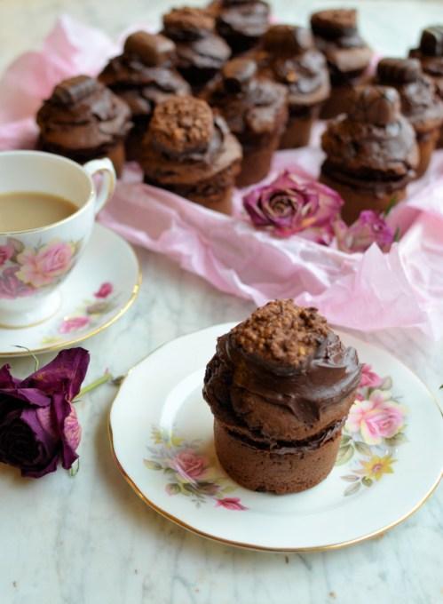 "Romantic ""Chocolate Box"" Chocolate Cakes"
