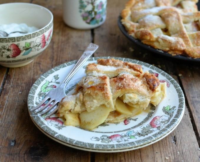 Old-Fashioned Lattice Apple Pie