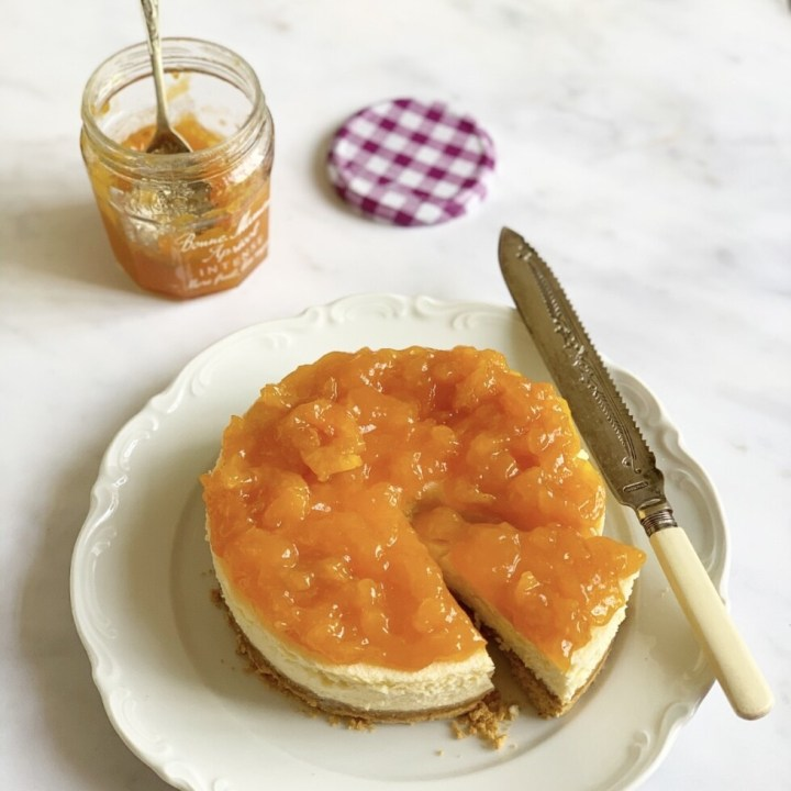 Apricot Baked Cheesecake