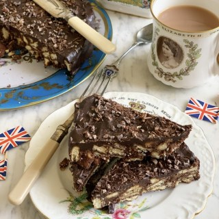 The Queen's Chocolate Biscuit Cake
