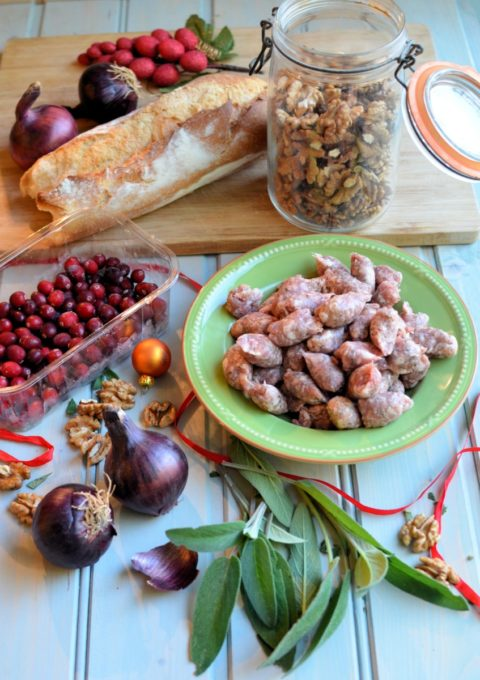 Sausage, Cranberry, Red Onion & Walnut Stuffing - A quick and easy stiffing made in the Vitamix Ascent for hassle free and tasty Christmas entertaining.