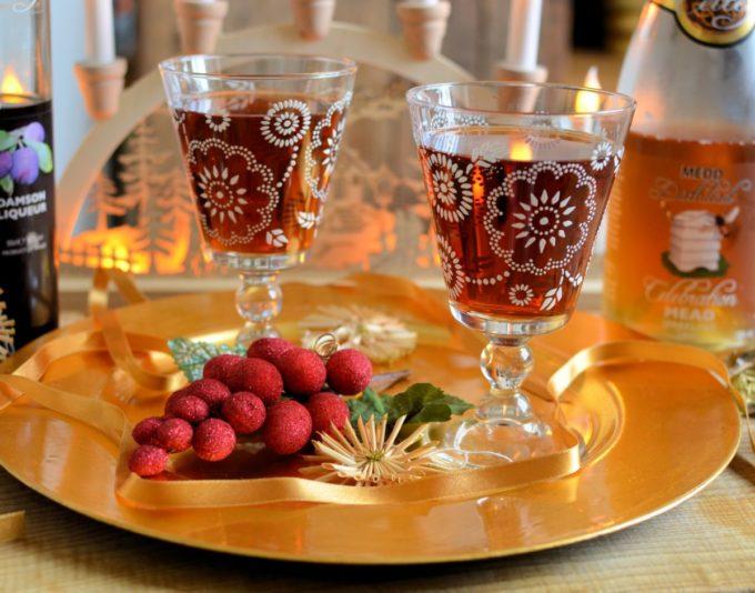 Sparkling Mead & Damson Cocktail