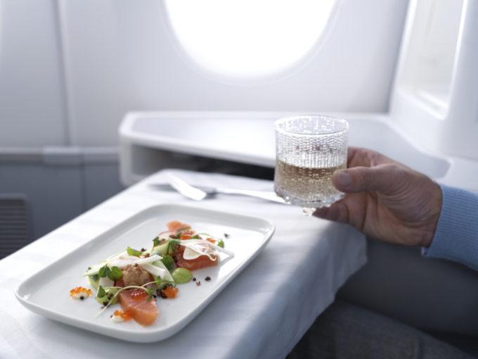 Finnair_A350_business_class_salmon_dish_ultima_thule