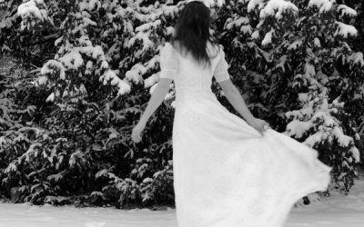 Ecoute sous la glace le rire fragile de la vie*