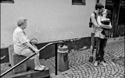 La vieille dame et les amoureux