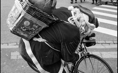le père Noël a un problème de bicyclette