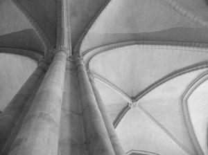 et voilà l'original, il s'agit de la grande chapelle du palais des Papes à Avigon