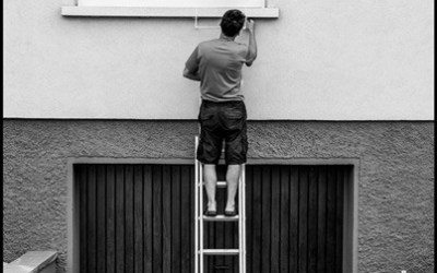L'homme qui entretient sa maison